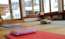 Pre-Christmas-YOGA-or-winter-wellbeing-TIME